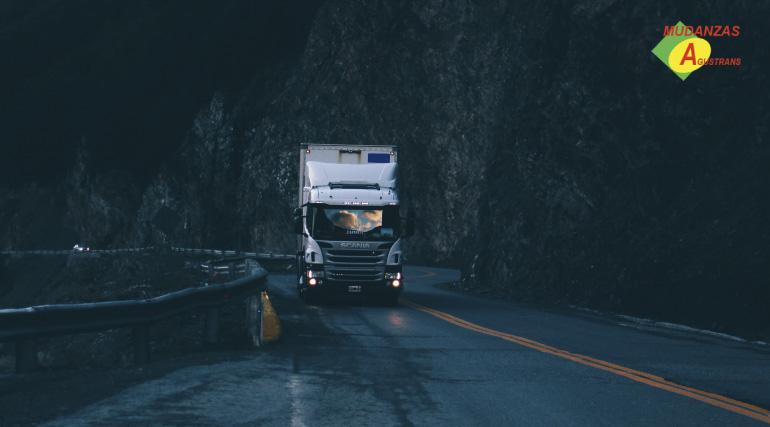 Camión de mudanzas internacional.