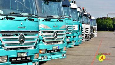 Trasporte de coches en camión